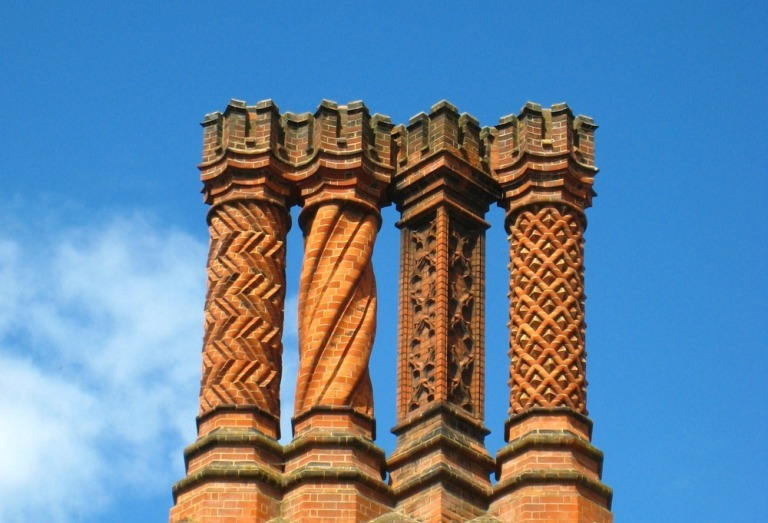 hampton-court-palace-chimneys-143